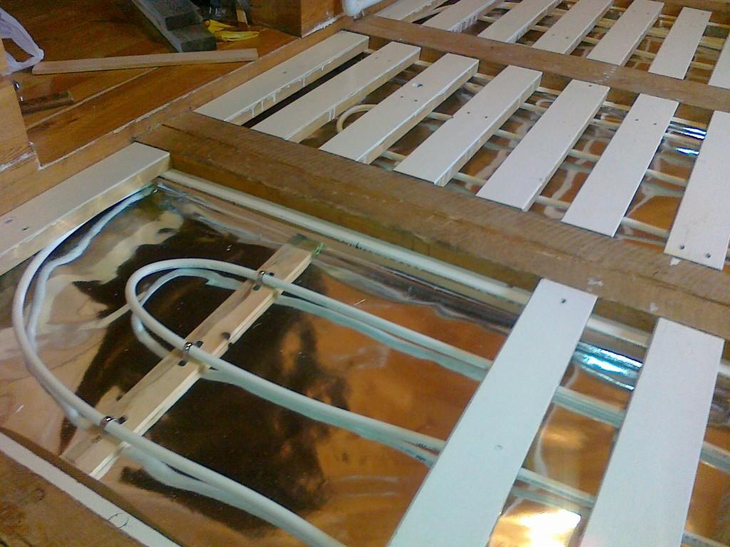 Как сделать теплый пол на деревянном полу  462